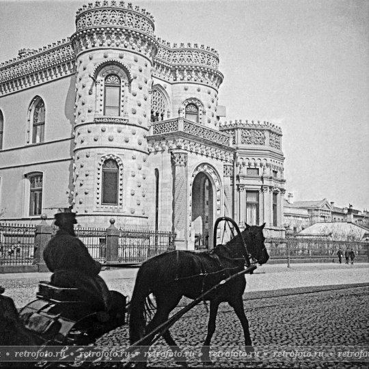 Ретрофото — Извозчик на Воздвиженке, 1900-е годы  извозчик